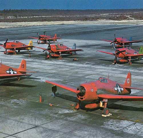 Grumman F6F-5K Hellcat: Colourful shroud.