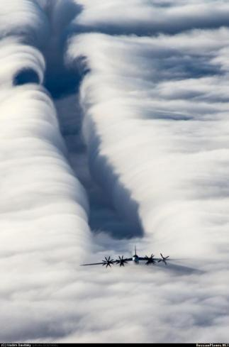 Tupolev Tu-95MS: The parting of the Clouds.