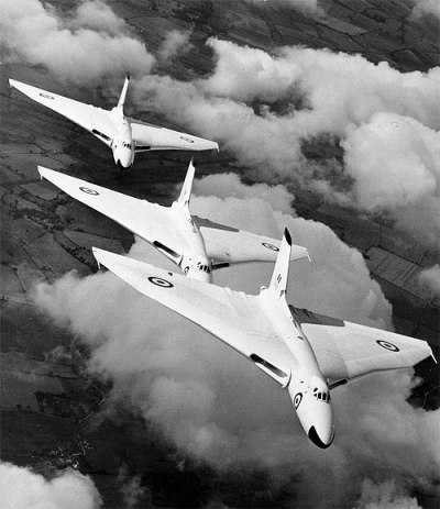 Avro Vulcan B.1: Three Tin Triangles.