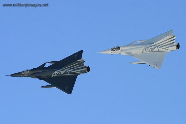 Dassault Mirage IIIRS: Negative & Positive.