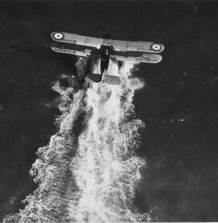 Fairey IIIF: Makin' Waves.
