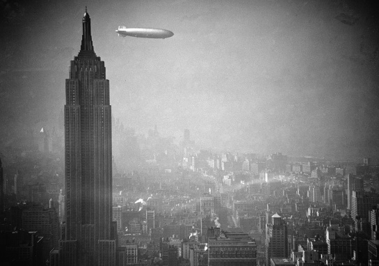 Zeppelin LZ 129 Hindenburg: H-Bomb over Manhattan (II).