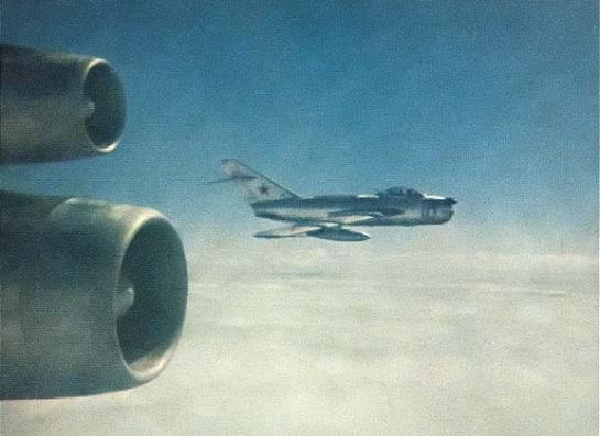 Boeing RC-135(?) vs MiG-17PF: Small Cat & Big Mouse.