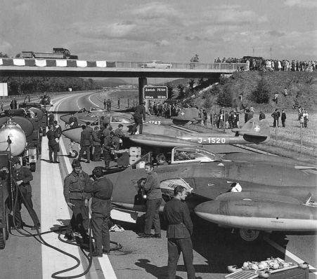 de Havilland DH-112 Mk.1 & 2 Venom:  Poisoned Autobahn.