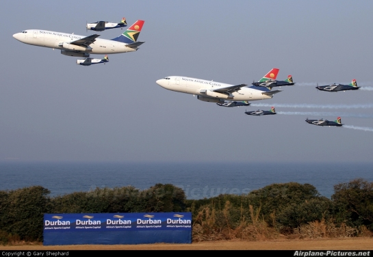 Boeing 737's, Pilatus Astras & NAA Harvards: Whales and